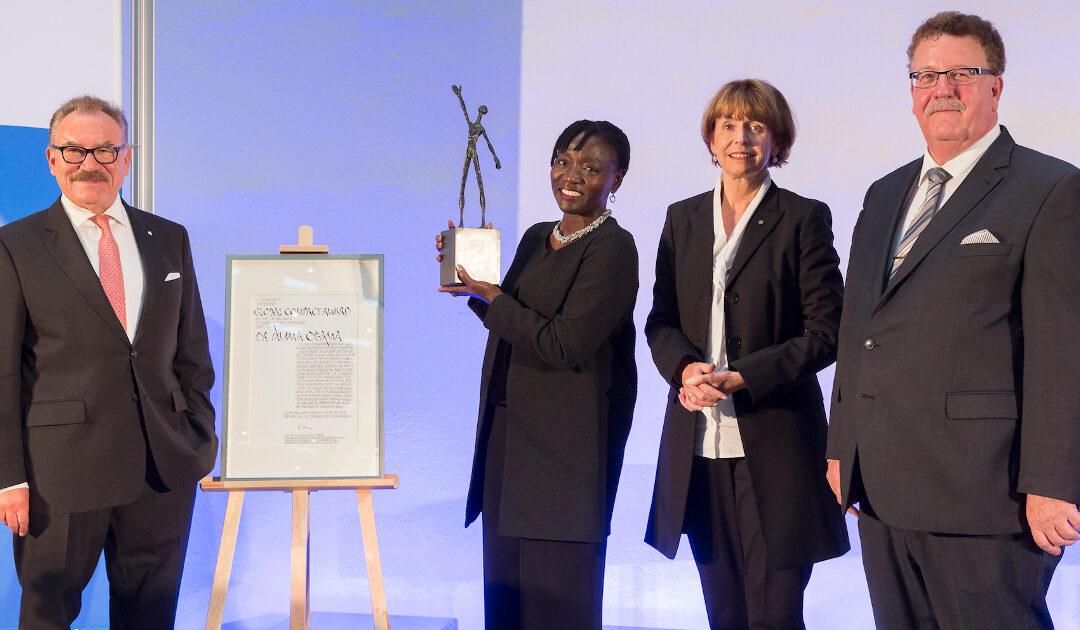 Hautnah dabei – Global Compact Award für Auma Obama