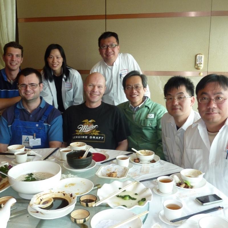Mit Kollegen bei einem Einsatz in Hongkong in 2011